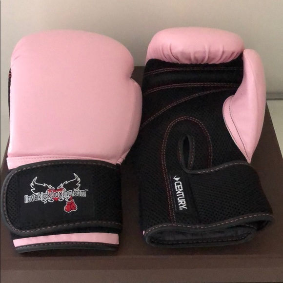 Boxing gloves pretty baby pink